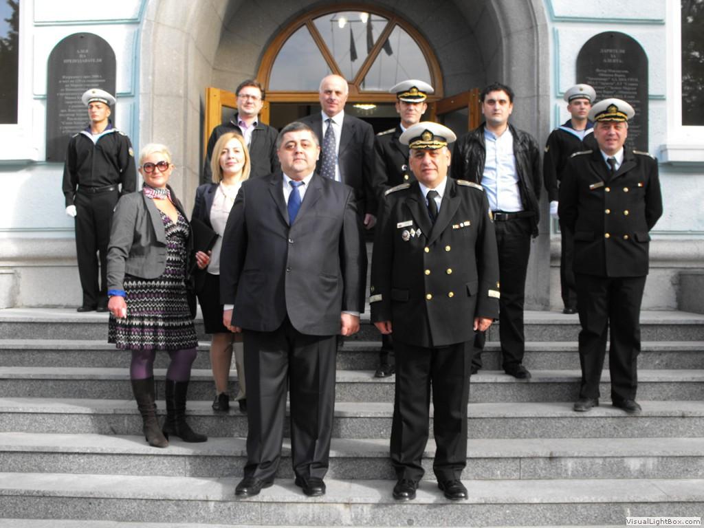 делегация от Грузия, водена от проф. Иракли Шарабидзе