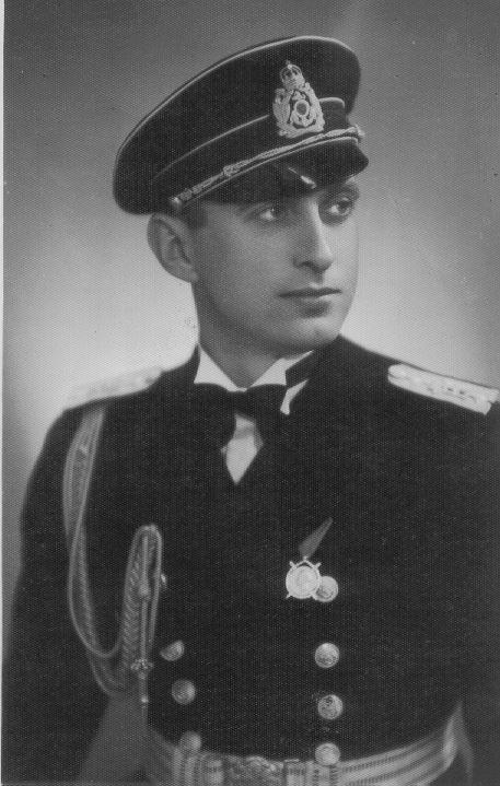 Капитан І ранг Хр. Кукенски - основател на катедрата