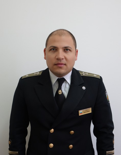 Момчил Манов
