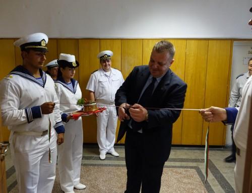 Министърът на отбраната откри кабинет във Военноморско училище
