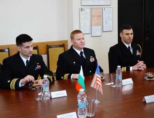Посещение на американски военни