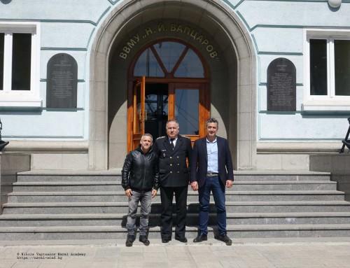 Йордан Йовчев консултира развитието на спортната база в Морското училище