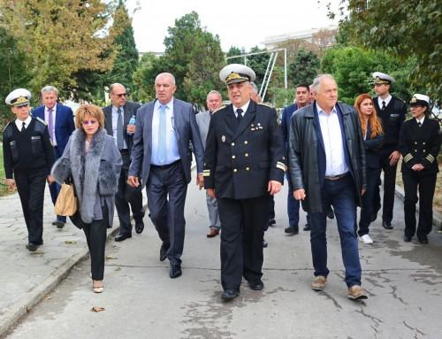 """Комисията по отбрана посети ВВМУ """"Н. Й. Вапцаров"""""""