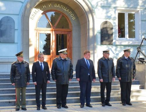 """Министърът на отбраната остана възхитен от иновациите във ВВМУ """"Н. Й. Вапцаров"""""""