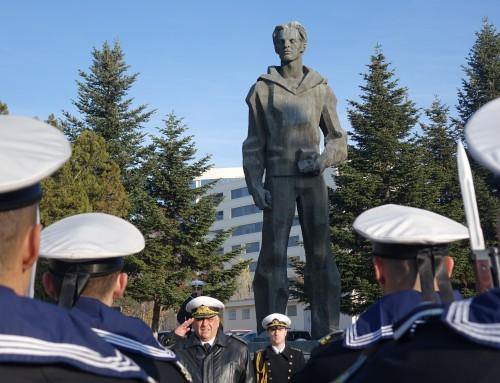 """ВВМУ """"Н. Й. Вапцаров"""" отбеляза 110 години от рождението на своя патрон"""