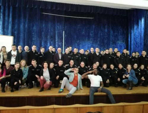 """Мотивационен тренинг напълни зала """"Вапцаров"""" в Морско училище"""