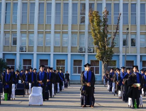Морско училище връчва дипломи на своите випускници