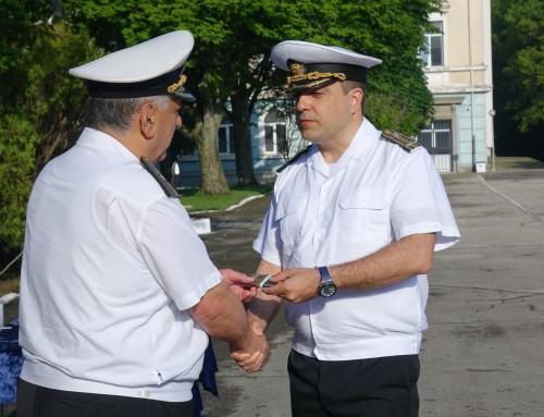 Осем военнослужещи от Морско училище с нови пагони